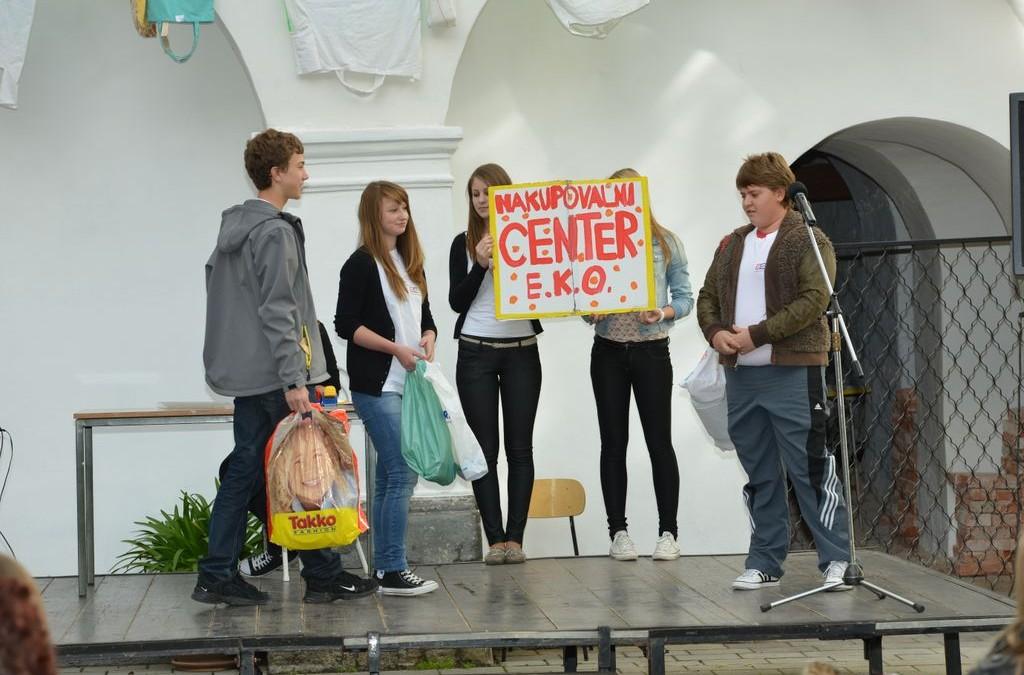 Sodelovanje dijakov SŠSB na prireditvi okoljevarstvenega društva Vintgar