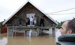 Pomagamo žrtvam poplav