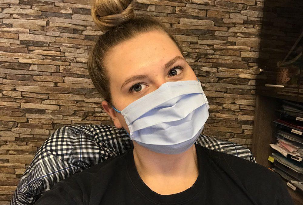 Pouk slovenščine na daljavo in šivanje zaščitnih mask
