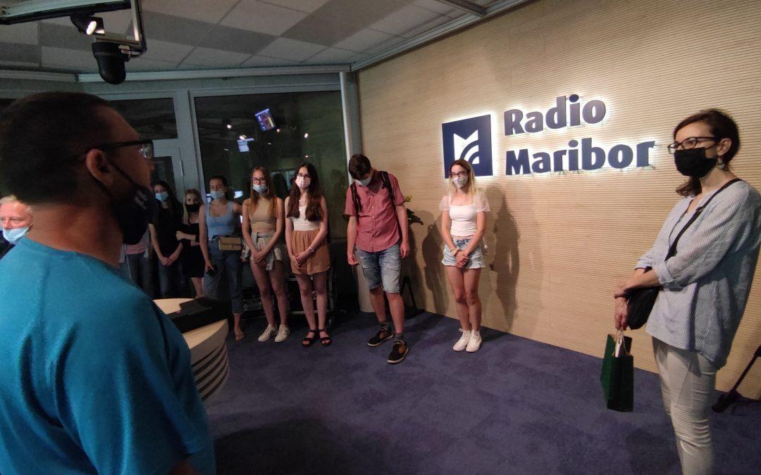 Dijaki ITS Umetnost obiskali televizijski in radijski studio RTV Slovenija