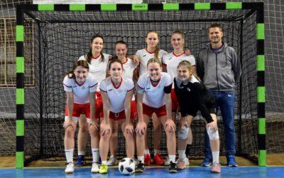 Šolska ženska nogometna ekipa se je uvrstila na državno tekmovanje!